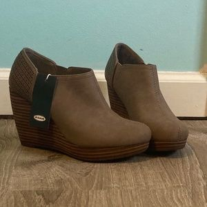 Dr Scholl's Harlow wedge bootie/Taupe Size 6